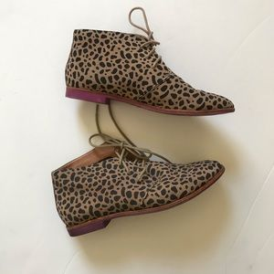 Doice Vita cheetah ankle booties